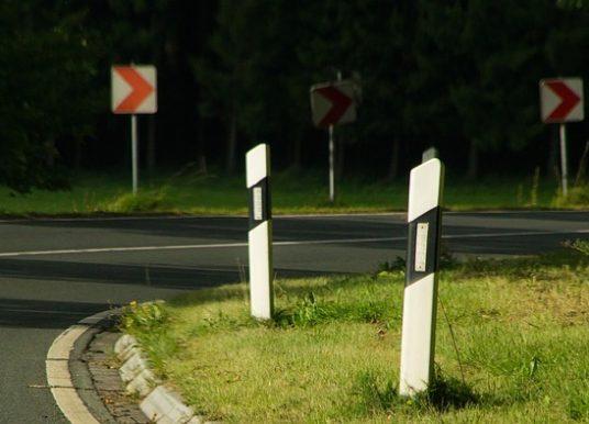 Comment réviser son code de la route?